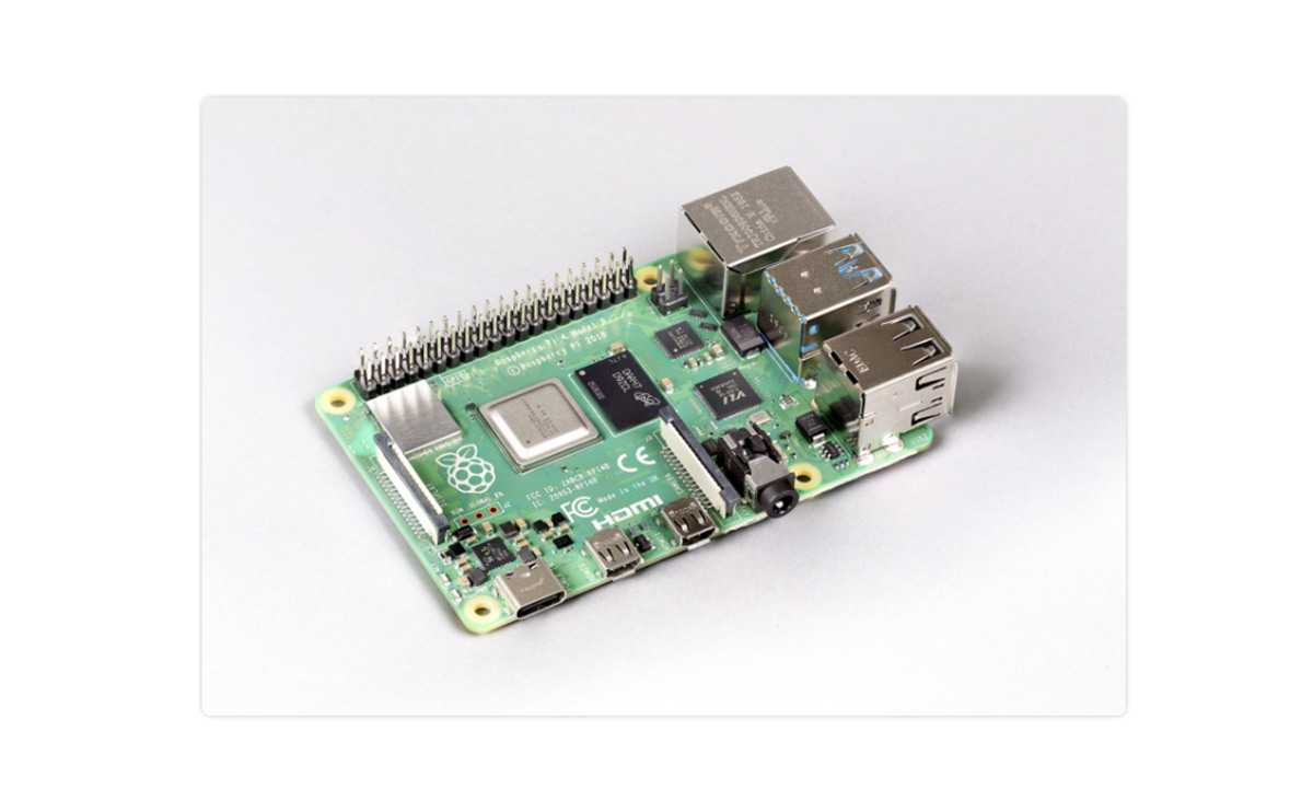 Raspberry pi 4 8GB メモリ